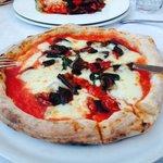 pizza Alessandra con melanzane a funghetto