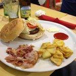 Hamburger D - Mengustas Marotta