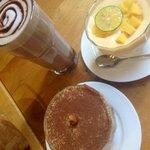 Hot chocolate tiramisu and mango mouse