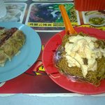Fried noodle(6 RM) and vegetable spring roll (5 RM for 2)