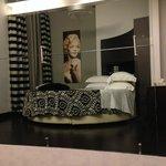 Room 101 (Suite) Bed