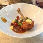 Moambe, signature dish! Gefrituurde kip met Afrikaanse toetsen!