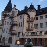 """Esterno della parte """"castello"""" dell'hotel"""