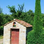Small tuscan building