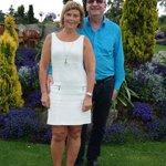 Jeg og min mann i den flotte hagen