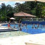 Programação do hotel na piscina