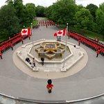 Inspection of the Ceremonial Guard /Revue de la Garde de cérémonie © OSGG-BSGG 2009