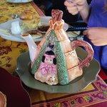 teapot at breakfast