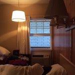 vue des chambres ( lumiere obligatoire en plein jour)