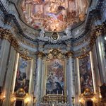 The most beautyful church in rome after saint peter in Vatican city!! Its the second time i visi