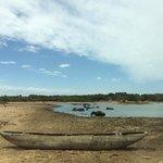 Road and lake to Cinnamon Yala