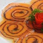 Carpaccio de Saumon matiné à l'aneth facon gravadlax / Marinated salmon with dill and seaweed