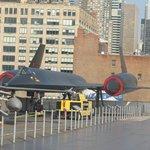 Avión espía SR, sobre el protaviones INTREPID