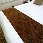 Sehr bequemes und großes Kingsize-Bett