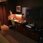 The desk, etc. in Deluxe room