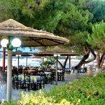 To Akrotiri Tis Stoupas, Dining Area