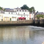 Port of Saint Goustan looking to Auray: easy stroll away