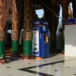 ATM Shwedagon-Pagode