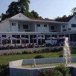 Buzz's Lakeside Inn Restaurant