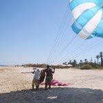 parachute ascenttionnel sur la plage