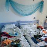 Das Bett im Zimmer