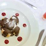 Profiteroles con chocolate