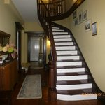 Main Entrance-stairway leading to 4 Bedrooms