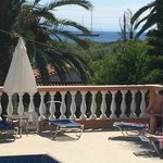 Not far from the sea, some rooms have excellent sea views
