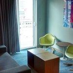 Corner Room, Sala de Estar