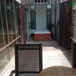 Private courtyard - Double doors open to jacuzzi
