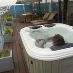 Private roof top jacuzzi