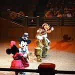 Line dancing Mickey