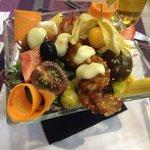 Salade avec poulet craquant