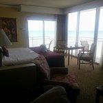 Oceanfront Corner Room King Suite