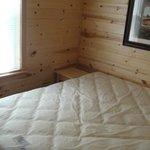 Hershey Park Log Cabin-Master Bedroom