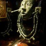 Réplica de máscara hallada en tumba de Pakal.
