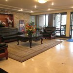 Sitting area by front desk