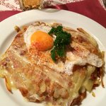 Roesti with egg, bacon, and cheese