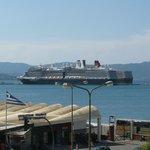 Вид с лоджии на порт