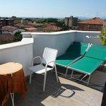 Kleine Dachterrasse und Blick über die Dächer von Valverde