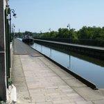 Le pont-canal vu du côté de Saint-Firmin-sur-Loire