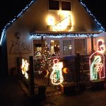 Karen & Chris decorated Walkers Lodge a treat for Christmas
