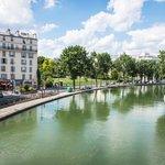 Canal Saint martin in Summer