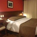 Quarto do hotel - limpo e espaçoso