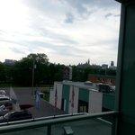 Vue du balcon (chercher la riviere!!!)