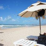 Guarda sol do hotel na praia