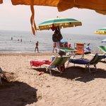 la spiaggia riservata all'hotel