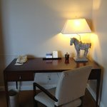 Harbor Suite - Work Desk