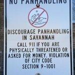 Esta prohibido mendigar en Savannah