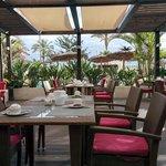 Wohlfühlen und Genießen auf der Terrasse des Restaurants